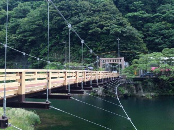 寄りそい橋