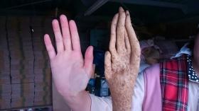 三女の両手と思いきや・・・・ よ~くご覧下さい!  「・・・・・・・・・・ヒィィィ・・・・・ッΣΣ(°д°;)」 こんな形の自然薯ちゃんも出来ました・・・コワッ・・・