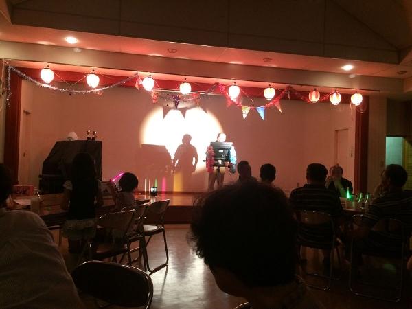 数々の芸達者が盛り上げるカラオケ大会