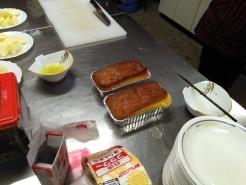 焼きあがったケーキ。すでに良い香りが漂ってます。この時点で美味しそう♪