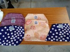 今回のお土産は、さらに進化したトートバッグが登場。地域で使わなくなった着物を活用して作られたそうです。