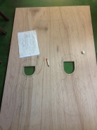 べニア板を購入。もちろんご近所の「木のスーパーマーケット植木材木店」さんで!穴あけも自分で行いました。