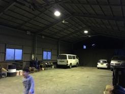 悠悠の奥にある会場は、普段は倉庫として使用している工場跡地。初めてのライブ開催です。
